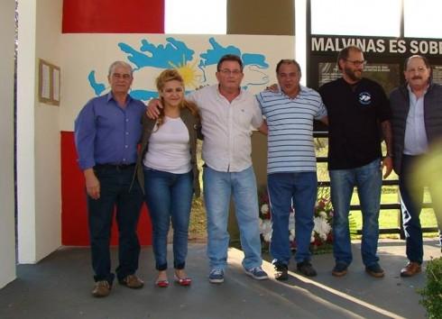 Crocce (Izq) y Bruno (der.) junto a funcionarios de Cambiemos, en El Palomar.